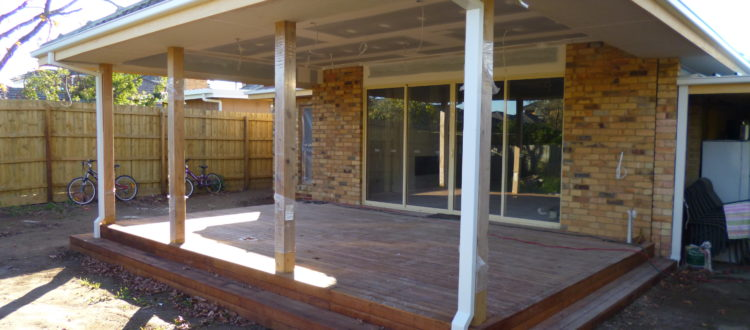 Alfresco & living room extension in Heidleberg Heights